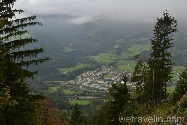вид с горы по пути к пещере Eisriesenwelt