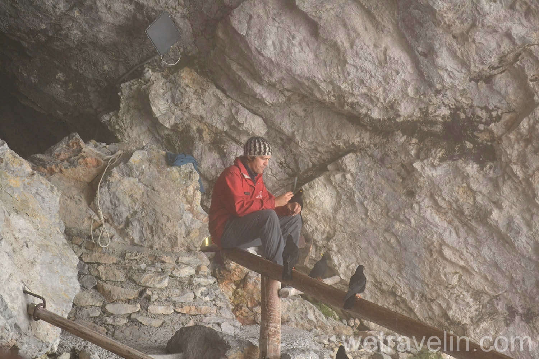 вход в пещеру Eisriesenwelt