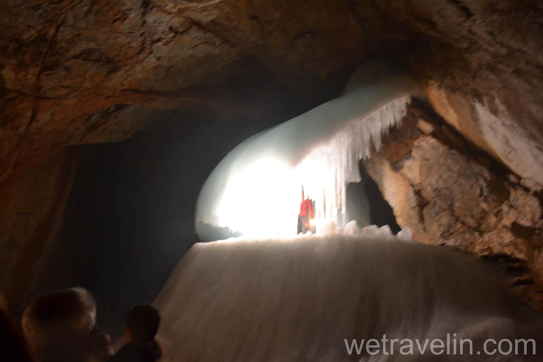 самая большая ледяная пещера в мире