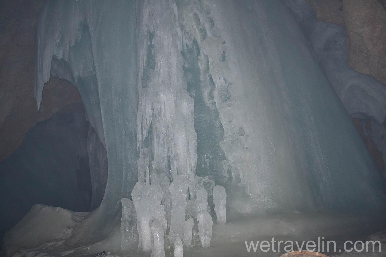 ледяная пещера в Австрии